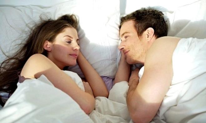 """3 điều phụ nữ khao khát """"trên giường"""" các quý ông nên biết"""
