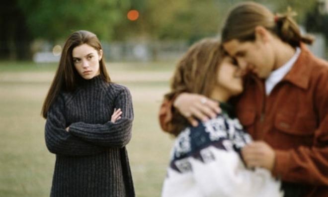 Có nên yêu người yêu cũ của bạn thân?