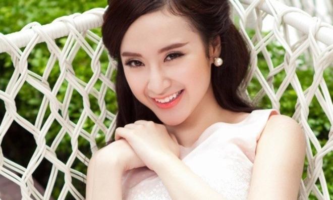 Angela Phương Trinh: Từ bỏ bar, vũ trường để trở thành gái ngoan Vbiz