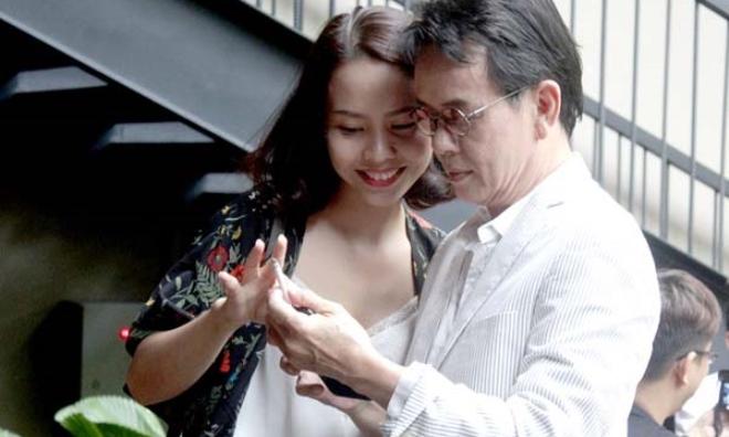 Cuộc sống hôn nhân đầy bất ngờ của nhạc sĩ Đức Huy và vợ kém 44 tuổi