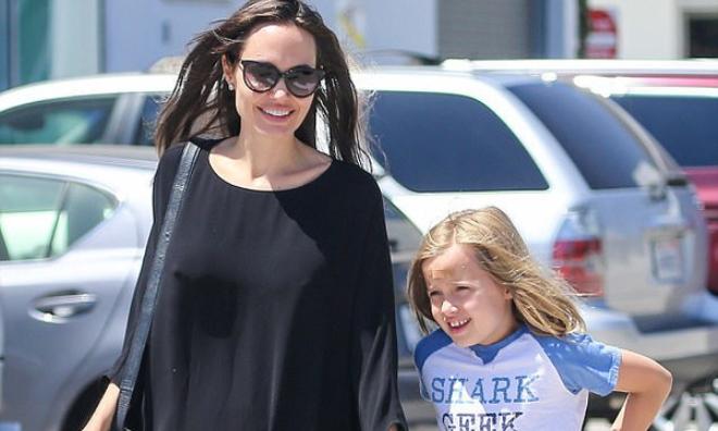 Con gái út nhà Angelina Jolie ngày càng khôn lớn và ăn mặc nam tính giống hệt chị