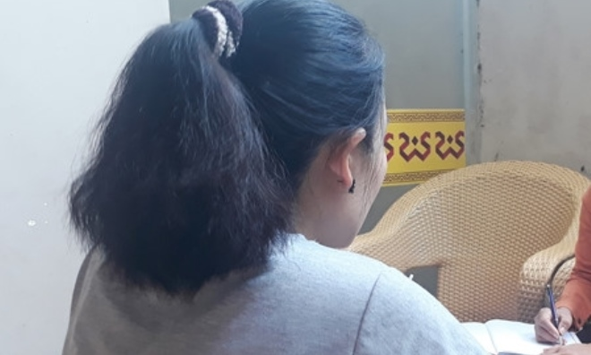 Hiệu phó bị tố quan hệ bất chính với cấp dưới, dùng 'clip nóng' tống tình nữ giáo viên tiểu học