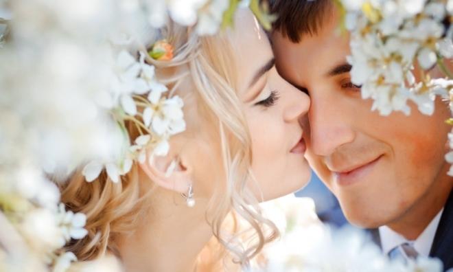 Muốn được kỷ niệm ĐÁM CƯỚI KIM CƯƠNG, các cặp đôi phải vượt qua được các cột mốc khó khăn này