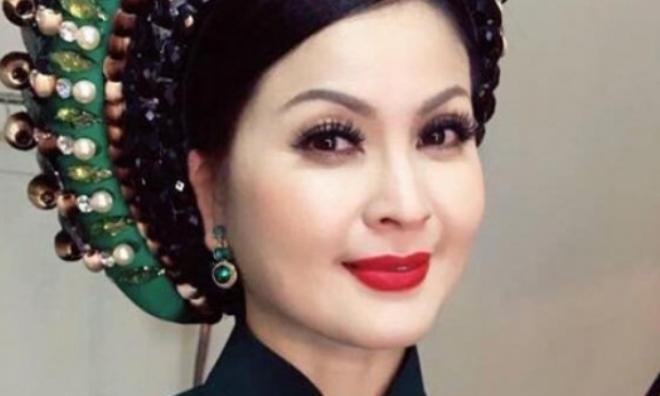 Sau 10 năm, Yến Vy trở về Việt Nam gây ngỡ ngàng