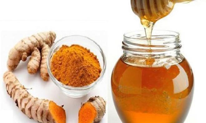 Tự tin hơn với làn da trắng mịn khi trị sẹo thâm bằng nghệ và mật ong
