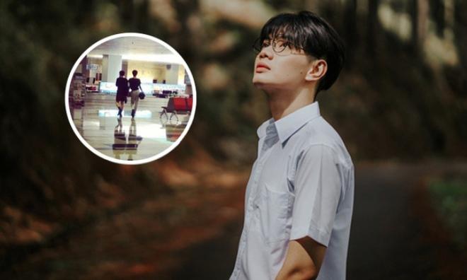 Lộ ảnh cũ được cho là của Đào Bá Lộc và MC T. du lịch tại Singapore