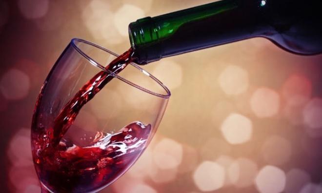Thử ngay cách làm trắng da bằng rượu vang đỏ cho làn da trắng trong vòng 7 ngày