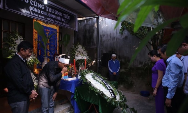 Đau thấu tim tiễn đưa Phóng viên Đinh Hữu Dư về với đất mẹ Ninh Bình
