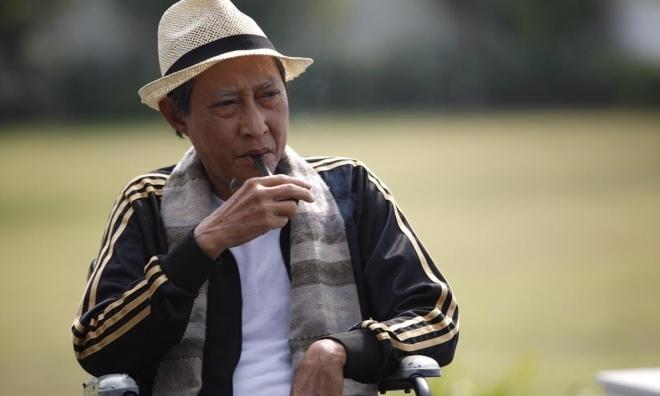 Nghệ sĩ Lê Bình nổi trận lôi đình khi bị giới truyền thông khơi lại chuyện vợ cờ bạc nợ nần, con nghiện ngập