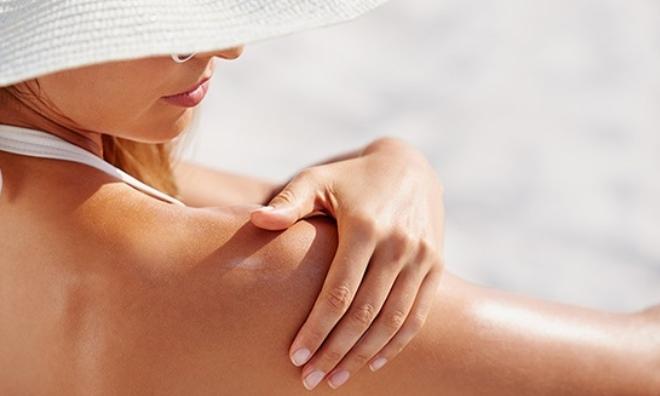 Chống nắng cho da dầu – Tuyệt chiêu ngăn chặn mọi tác động của môi trường làm hại da