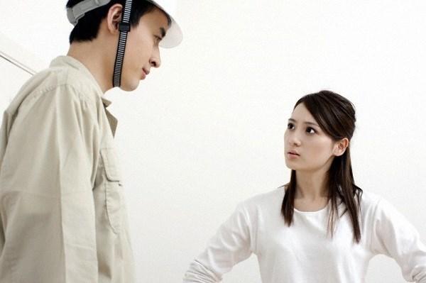 Choáng khi chồng tôi bẽn lẽn xin phép vợ cho người yêu cũ về nhà ở tạm một thời gian - Ảnh 1