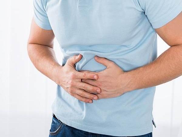 4 triệu chứng trên cơ thể cảnh báo ung thư đại tràng 'ghé thăm'