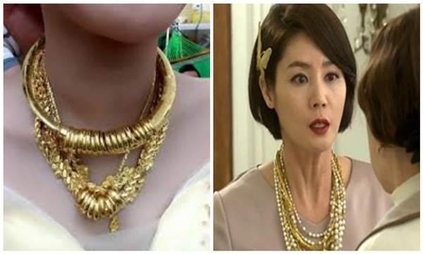 Không muốn bố mẹ mất mặt, cô gái mua vàng giả làm của hồi môn đeo ngày cưới nhưng bị mẹ chồng phát hiện để rồi… - Ảnh 2