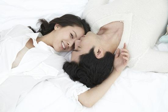 """Không cần biết các chị ngày thường như thế nào nhưng khi lên giường thì phải thật """"nóng"""""""