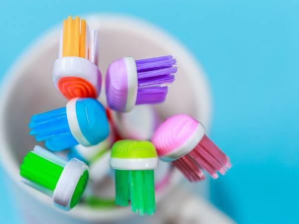 Cách làm sạch bàn chải đánh răng hiệu quả - Ảnh 2