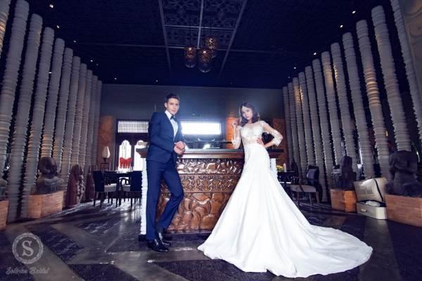 Chụp ảnh cưới trên tòa nhà cao nhất Sài Gòn với áo cưới Solivian - Ảnh 5