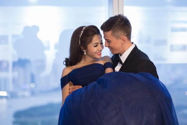 Chụp ảnh cưới trên tòa nhà cao nhất Sài Gòn với áo cưới Solivian - Ảnh 7