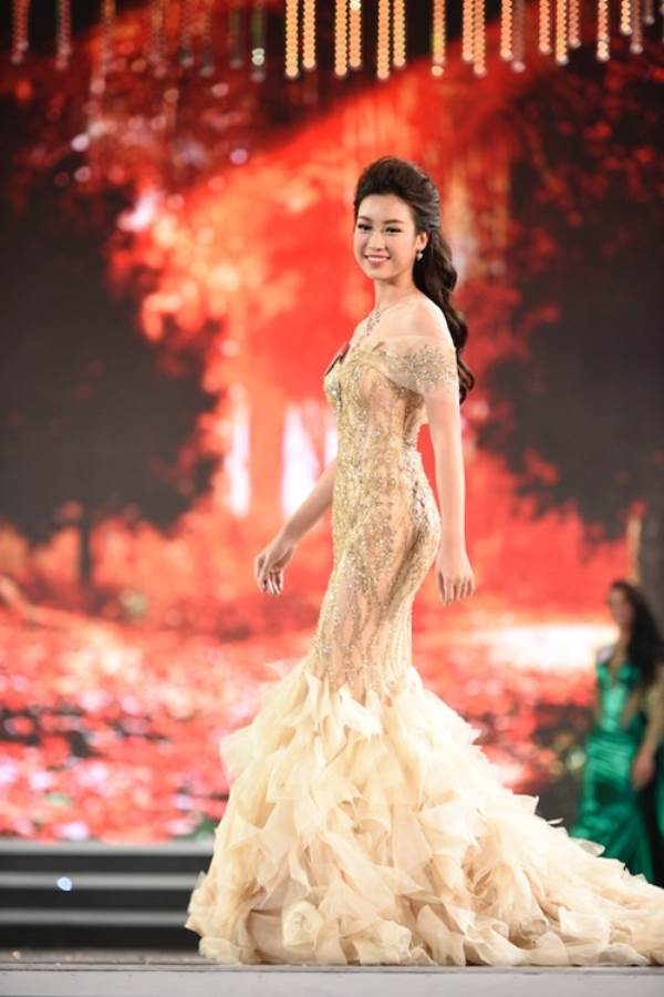 Đỗ Mỹ Linh đăng quang Hoa hậu Việt Nam 2016 - Ảnh 3