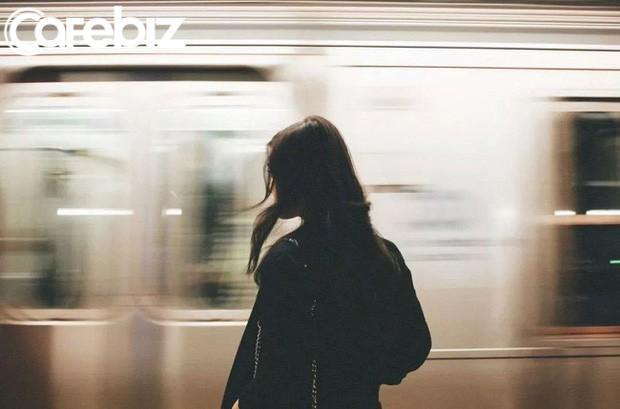 10 lời khuyên về hạnh phúc mà phụ nữ nên biết trước tuổi 30: Đừng tự so sánh mình với người khác để tạo áp lực không cần thiết - Ảnh 1