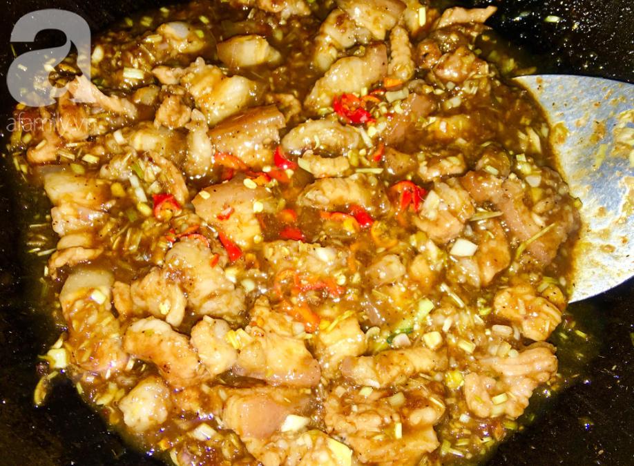 Cách làm thịt kho mắm ruốc đậm đà ngon cơm - Ảnh 4