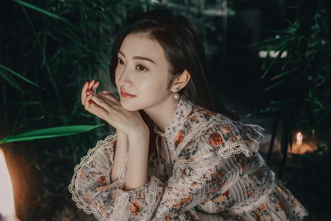 'Đệ nhất mỹ nữ Bắc Kinh' Cảnh Điềm khoe nhan sắc cuốn hút - Ảnh 8