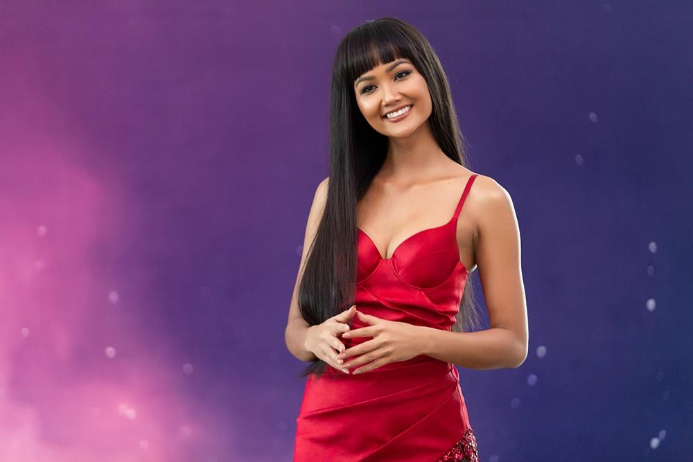 H'Hen Niê diện váy đỏ nổi bật tại Hoa hậu Hoàn vũ VN, mặc tin đồn mâu thuẫn với công ty quản lý - Ảnh 5