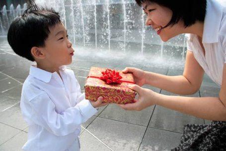 Trẻ có tính này lớn lên sẽ khó bảo, hư hỏng, bất hiếu cha mẹ hãy sửa ngay cho con trước khi quá muộn - Ảnh 1