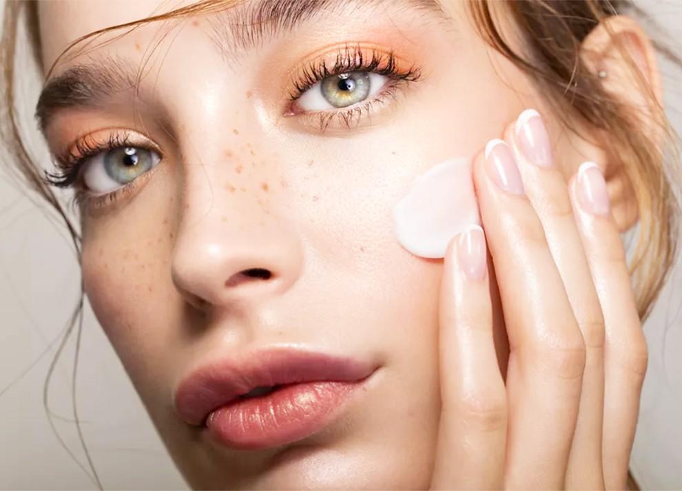 Dấu hiệu cho thấy kem dưỡng ẩm không có tác dụng trên da bạn - Ảnh 1
