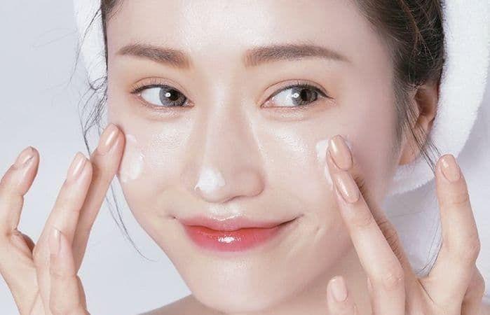 Những sai lầm chăm sóc da khiến mụn của bạn trở nên tồi tệ hơn - Ảnh 4