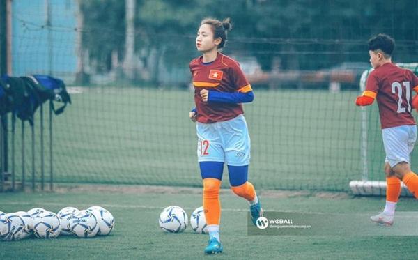 3 cầu thủ bóng đá nữ Việt Nam có nhan sắc không thua kém hotgirl - Ảnh 8