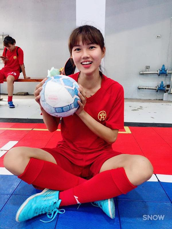 3 cầu thủ bóng đá nữ Việt Nam có nhan sắc không thua kém hotgirl - Ảnh 5