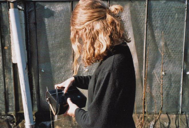 Những sai lầm chẳng ngờ đến khiến mái tóc của bạn luôn xơ xác, thiếu sức sống - Ảnh 3