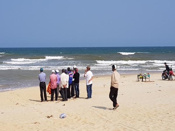 Vụ 8 thiếu niên đuối nước ngày Tết ở Quảng Nam: Nữ sinh được cứu sống hiện vẫn đang hôn mê sâu - Ảnh 1