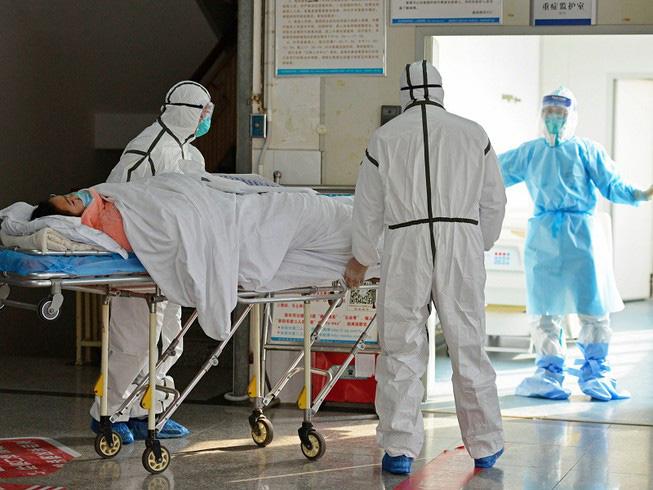 Việt Nam ghi nhận bệnh nhân thứ 15 nhiễm virus Corona: Bé gái 3 tháng tuổi bị lây từ bà ngoại - Ảnh 1