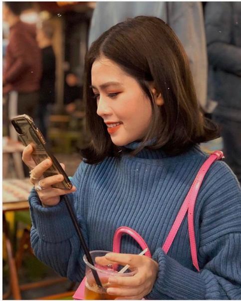 """Vừa bị tố """"đá xéo"""" Nhật Lê, bạn gái mới Quang Hải lại bị chê nhan sắc - Ảnh 2"""