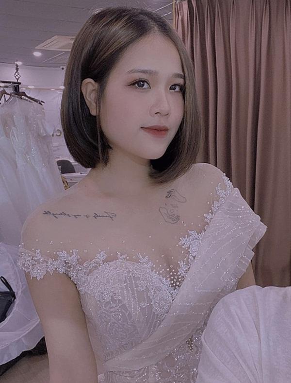 """Vừa bị tố """"đá xéo"""" Nhật Lê, bạn gái mới Quang Hải lại bị chê nhan sắc - Ảnh 5"""