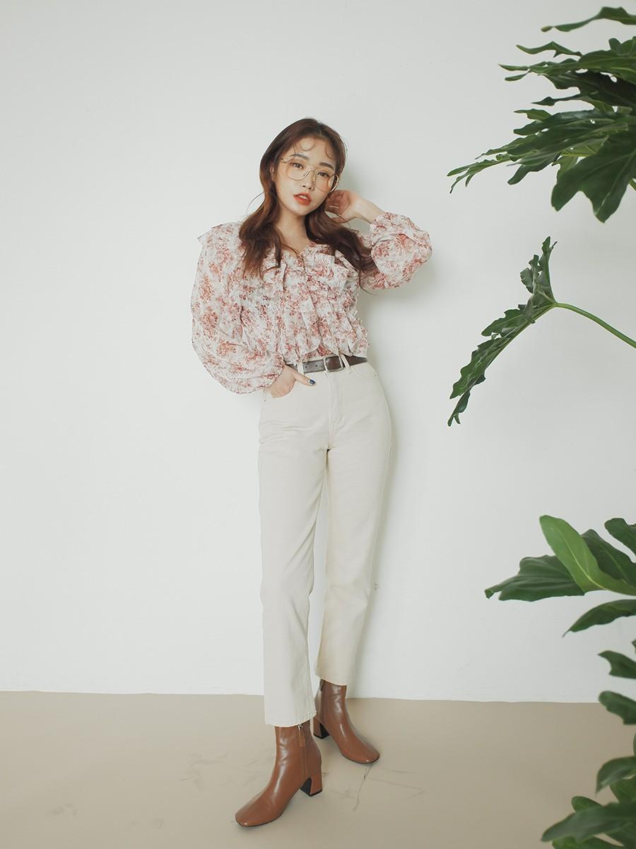 """Áo blouse """"bánh bèo chúa"""" dễ gây sốt diện rộng và 3 cách mặc bạn sẽ muốn áp dụng ngay khi trời có nắng ấm - Ảnh 4"""