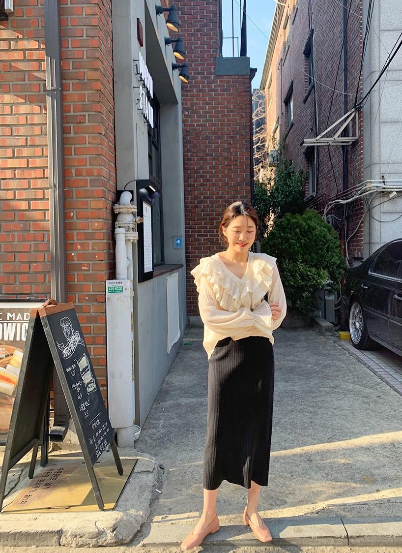 """Áo blouse """"bánh bèo chúa"""" dễ gây sốt diện rộng và 3 cách mặc bạn sẽ muốn áp dụng ngay khi trời có nắng ấm - Ảnh 5"""
