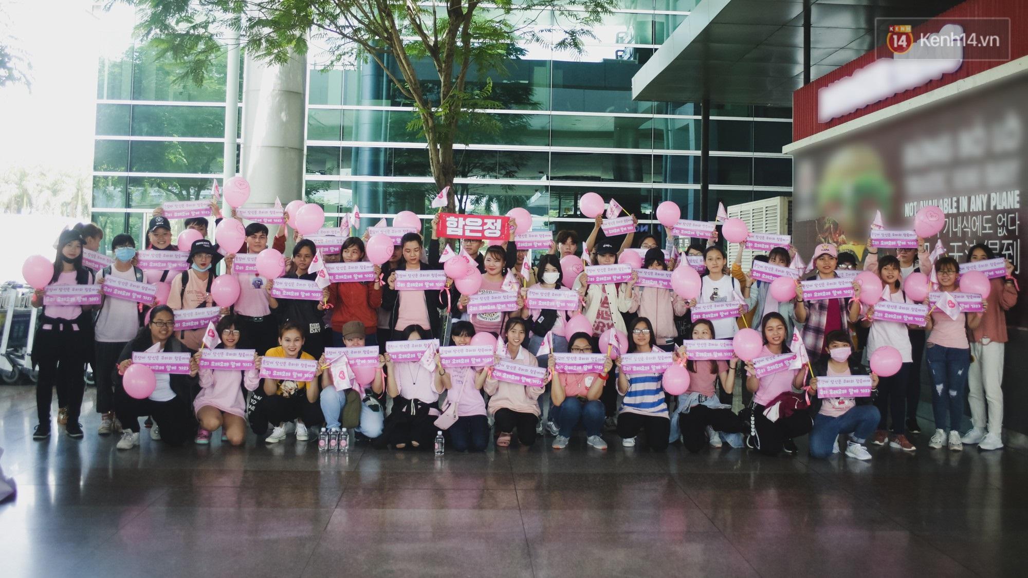 Eunjung (T-ara) khoe body nuột dù mặc giản dị tại sân bay Tân Sơn Nhất, nhưng gây chú ý hơn là thái độ của fan Việt - Ảnh 10