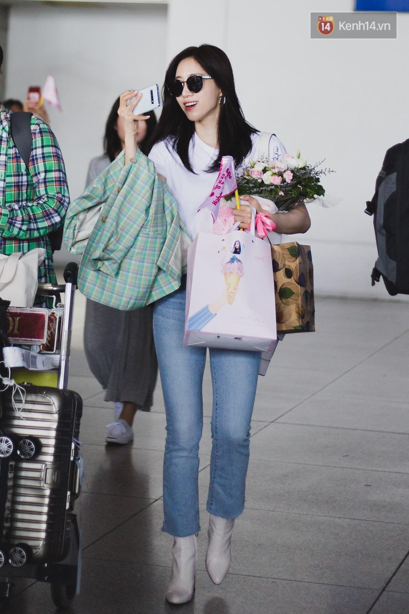 Eunjung (T-ara) khoe body nuột dù mặc giản dị tại sân bay Tân Sơn Nhất, nhưng gây chú ý hơn là thái độ của fan Việt - Ảnh 4