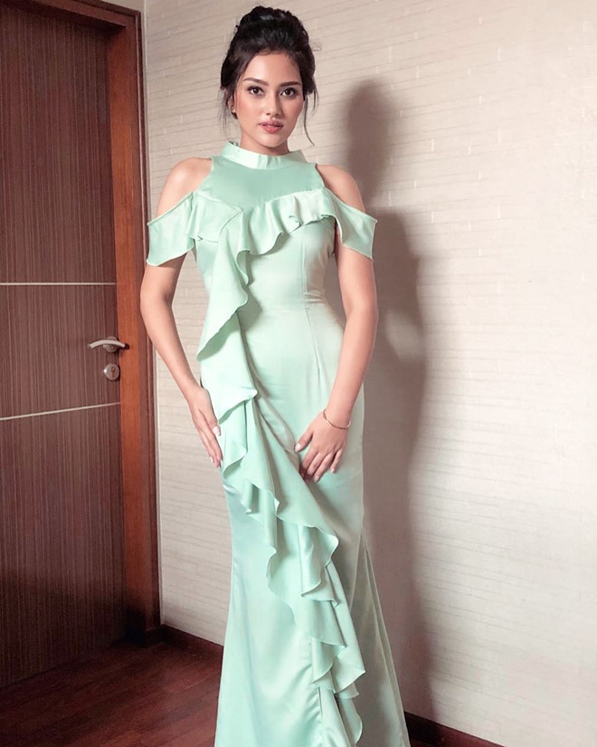 Nhan sắc rực rỡ của 3 cô gái vừa trở thành hoa hậu ở Indonesia - Ảnh 9