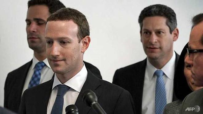 Ông chủ Facebook tại Quốc hội Mỹ: 'Là lỗi của tôi. Tôi xin lỗi' - Ảnh 1
