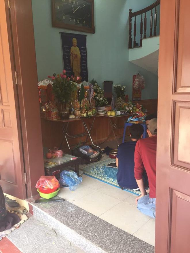 Vụ xe điên gây tai nạn thương tâm ở Hà Nội: Mẹ gãy chân nằm viện không hay biết con gái 7 tuổi đã mất - Ảnh 3