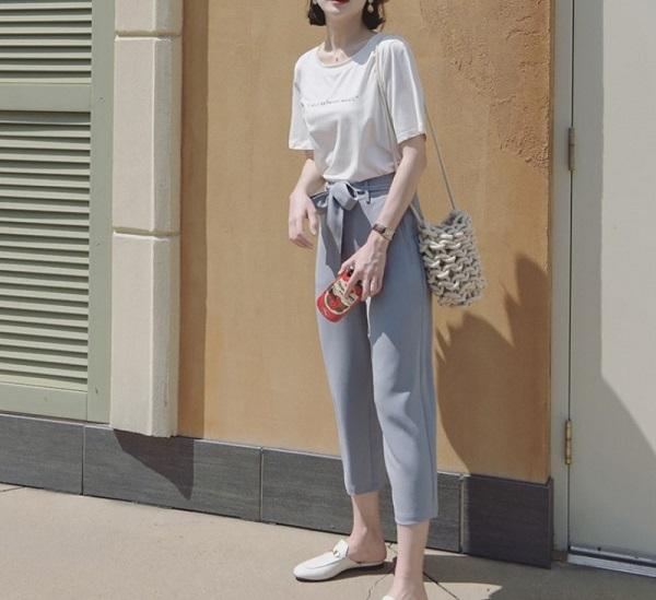 10 gợi ý diện áo phông trắng cực chất, mặc hoài không biết chán - Ảnh 3