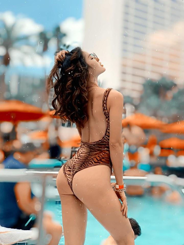 Chán khoe ngực, Phương Trinh Jolie lại 'đốt mắt' khán giả khi diện bikini khoét sâu ngay vùng nhạy cảm - Ảnh 4