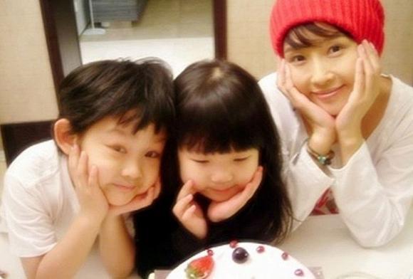 Con gái Choi Jin Sil tự tổ chức đám cưới với bạn trai, lộ nhan sắc sau khi tăng cân vì mắc bệnh hiểm nghèo - Ảnh 1