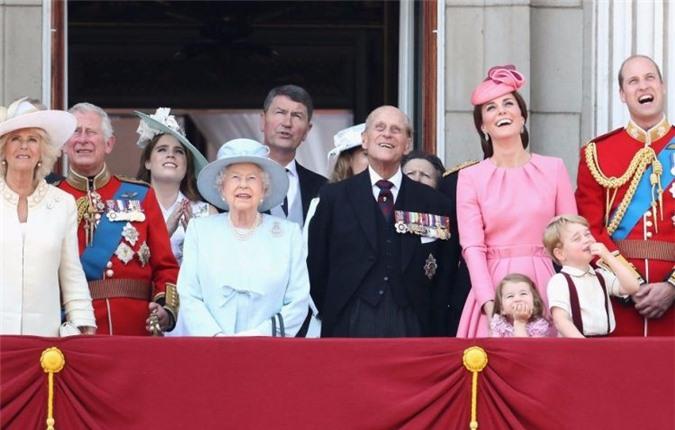 Hoàng gia Anh chia sẻ mẹo nuôi dạy con khiến Meghan dù theo đuổi phương pháp riêng cũng phải tham khảo - Ảnh 2