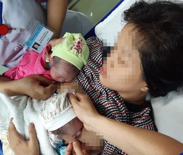 Hy hữu: Sản phụ Quảng Nam sinh con trong toilet, đến bệnh viện sinh tiếp một bé nữa  - Ảnh 1
