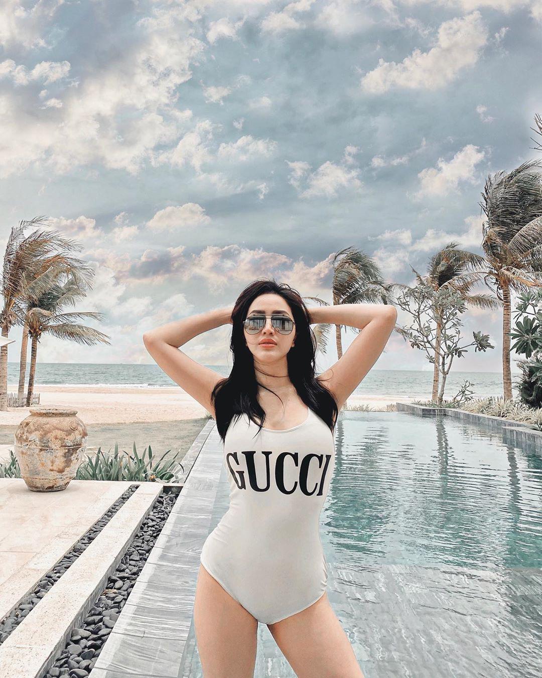 """Bóc giá đồ bơi sao Việt hè này: Bộ của Ngọc Trinh giá bình dân nhưng sexy """"nóng mắt"""" còn hơn đồ hiệu - Ảnh 7"""