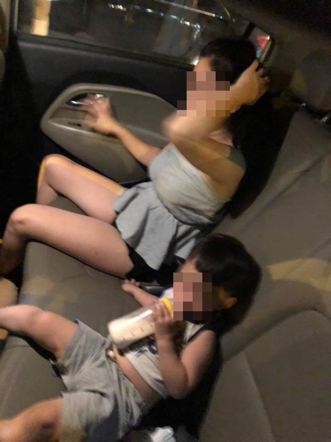 Đau lòng cảnh bé trai ngơ ngác nhìn mẹ bị đánh ghen trên xe ô tô - Ảnh 2